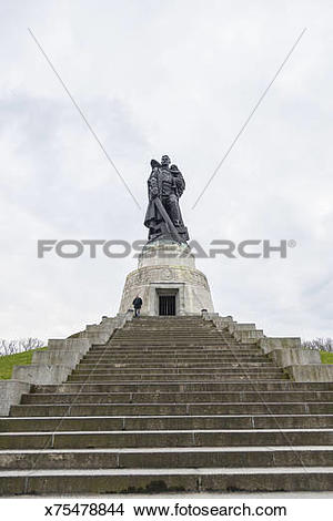 Stock Photo of Treptower Park, Soviet monument x75478844.