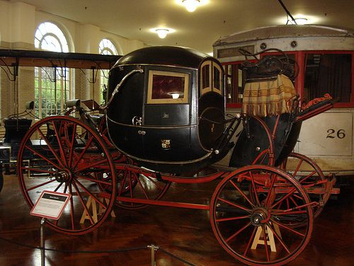 English carriage 1700s.