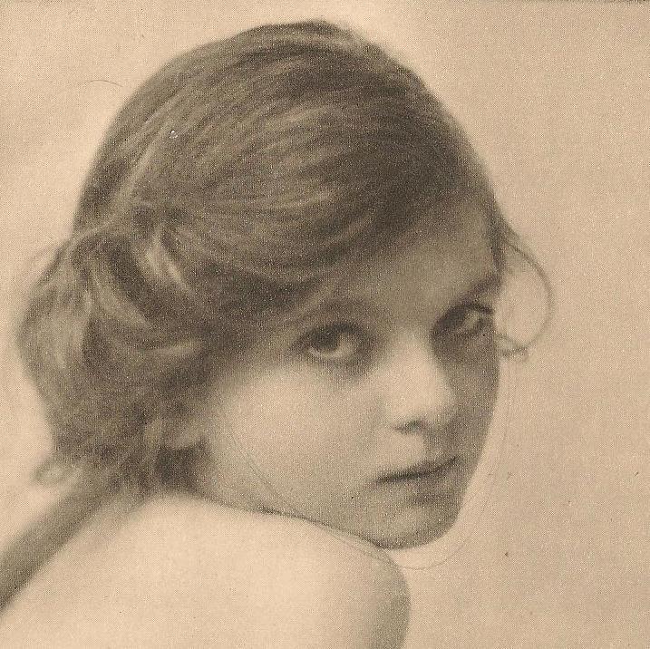 bumble button: 1700's Women,Child's photographic portrait.
