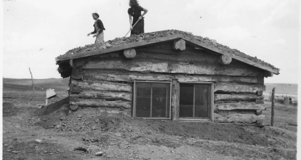 How To Build A Log Cabin, Just Like The Pioneers Did.