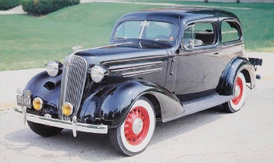 1936 Chevrolet Standard and Master DeLuxe.