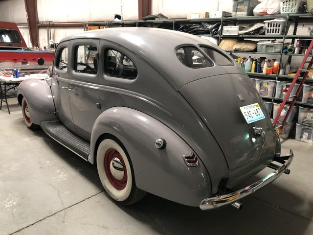 1940 Ford Deluxe.