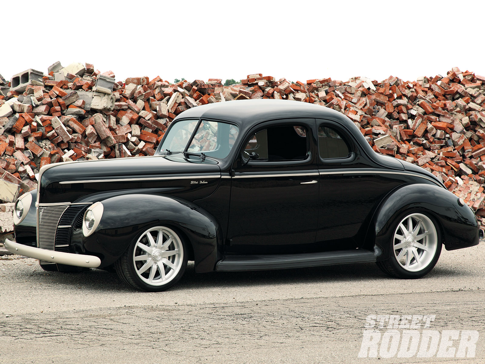 1940 Ford coupe.