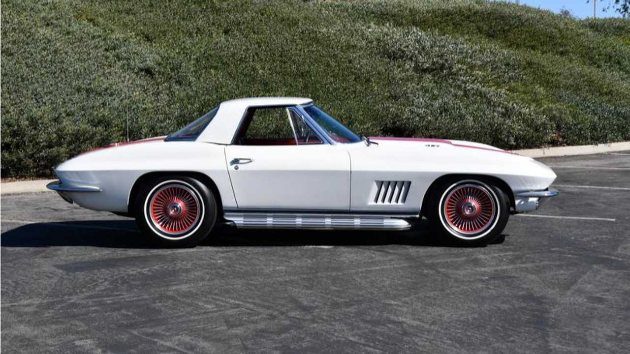 Bill Mitchell\'s 1967 COPO Corvette Up For Auction.