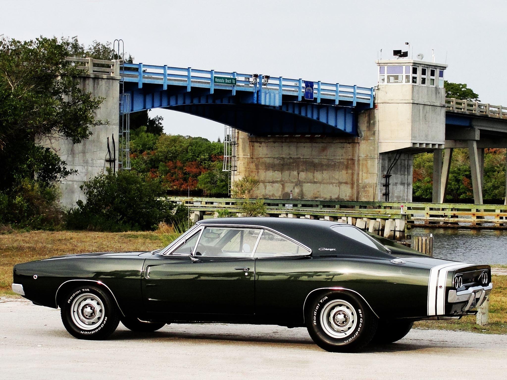1968 Dodge Challenger RT.
