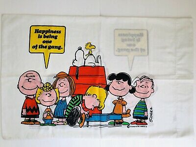Vintage 1971 Charlie Brown Peanuts Gang Pillow Case 30x20.