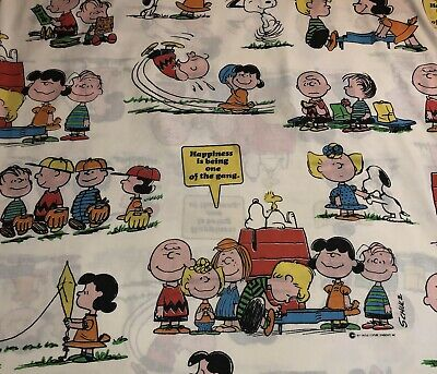 VINTAGE 1971 SNOOPY Full Flat Bed Sheet.