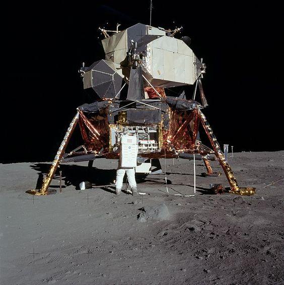 Découvrez les 1407 photos inédites de la mission Apollo 11.