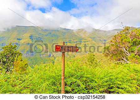 Stock Images of Madeira hiking, signpost 25 Fontes, green inland.