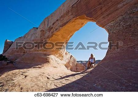 Picture of Views of Wilson arch in southeastern Utah, just 25.