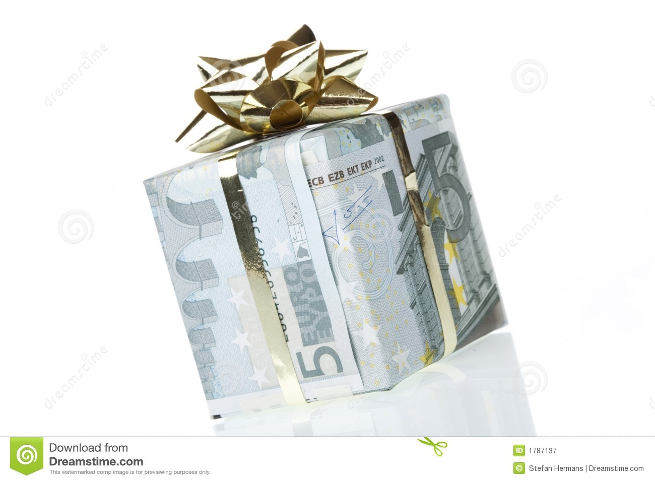 Gift Box Of 5 Euro Royalty Free Stock Photography.