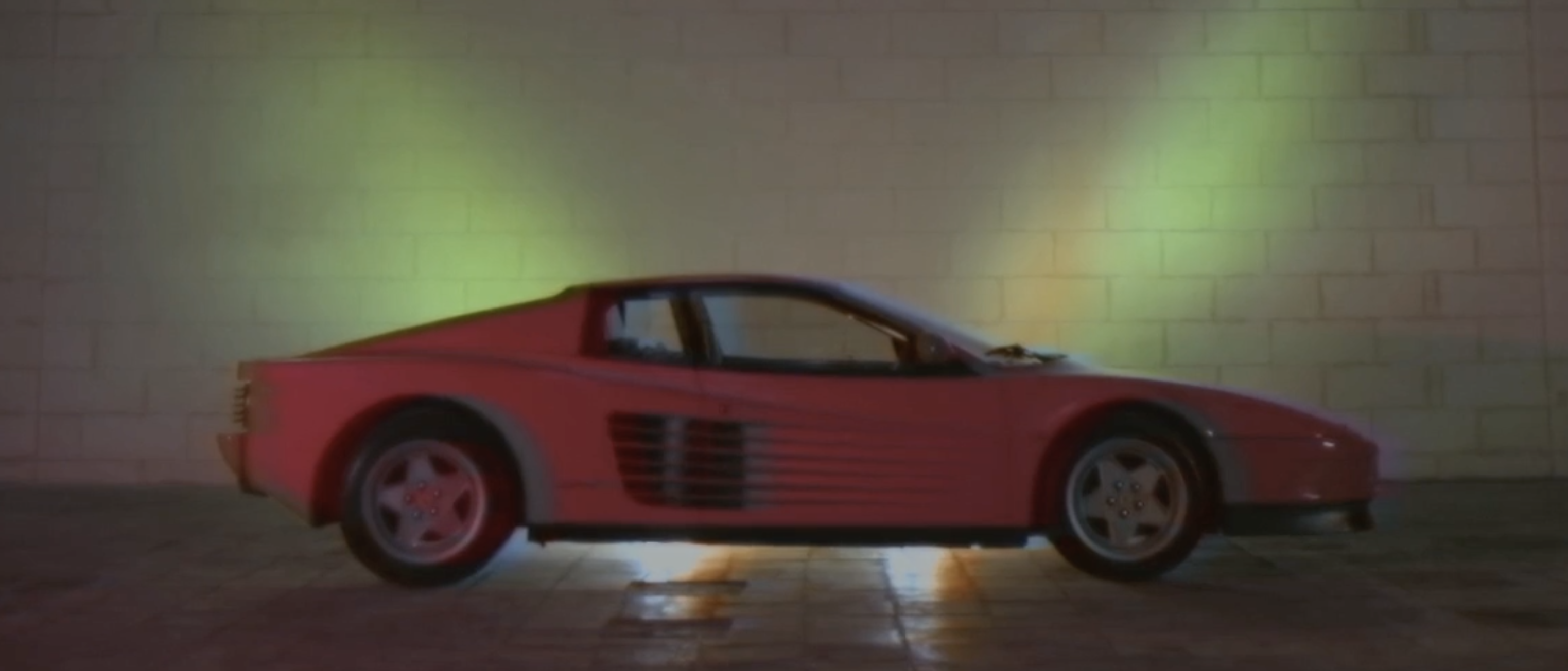 DREAM TOYS FOR BOYS: FERRARI TESTAROSSA.
