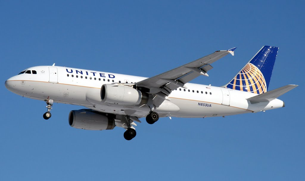 PHOTO: United Airlines New Livery on an Airbus A319.