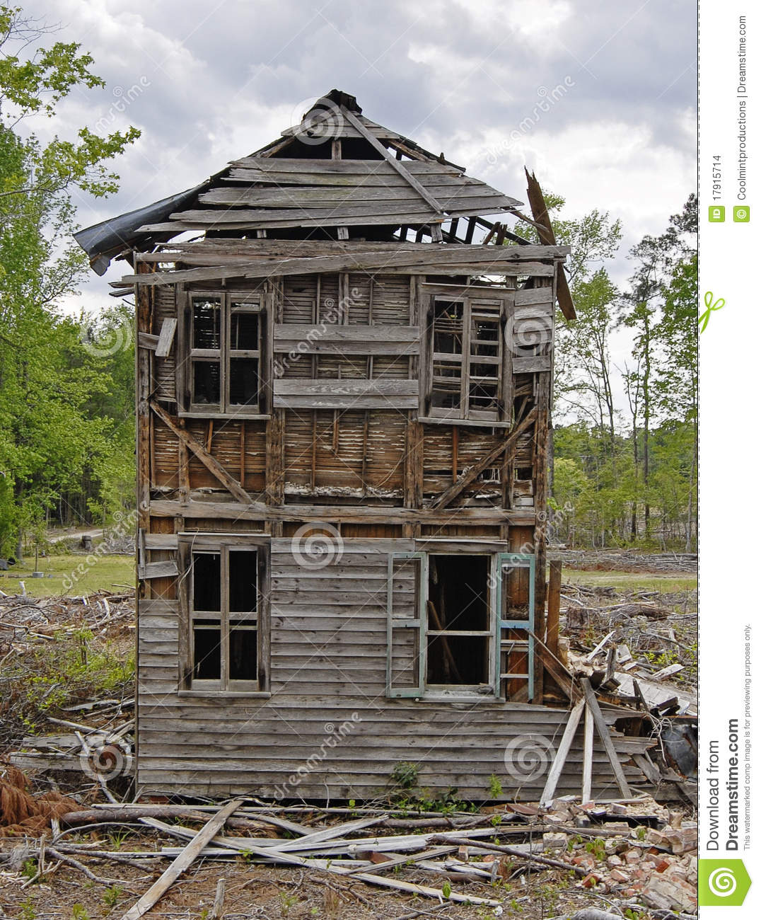 Abandoned old house in the woods clipart.