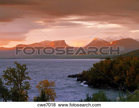 Pictures of Symbol of Lapland is Lapporten in Abisko National Park.
