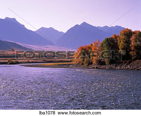 Pictures of Yeollowstone River and the Absaroka Mountains.