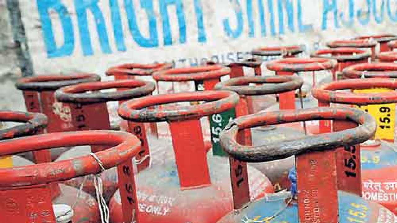PNG price rise: Thousands switch back to LPG in Ahmedabad.