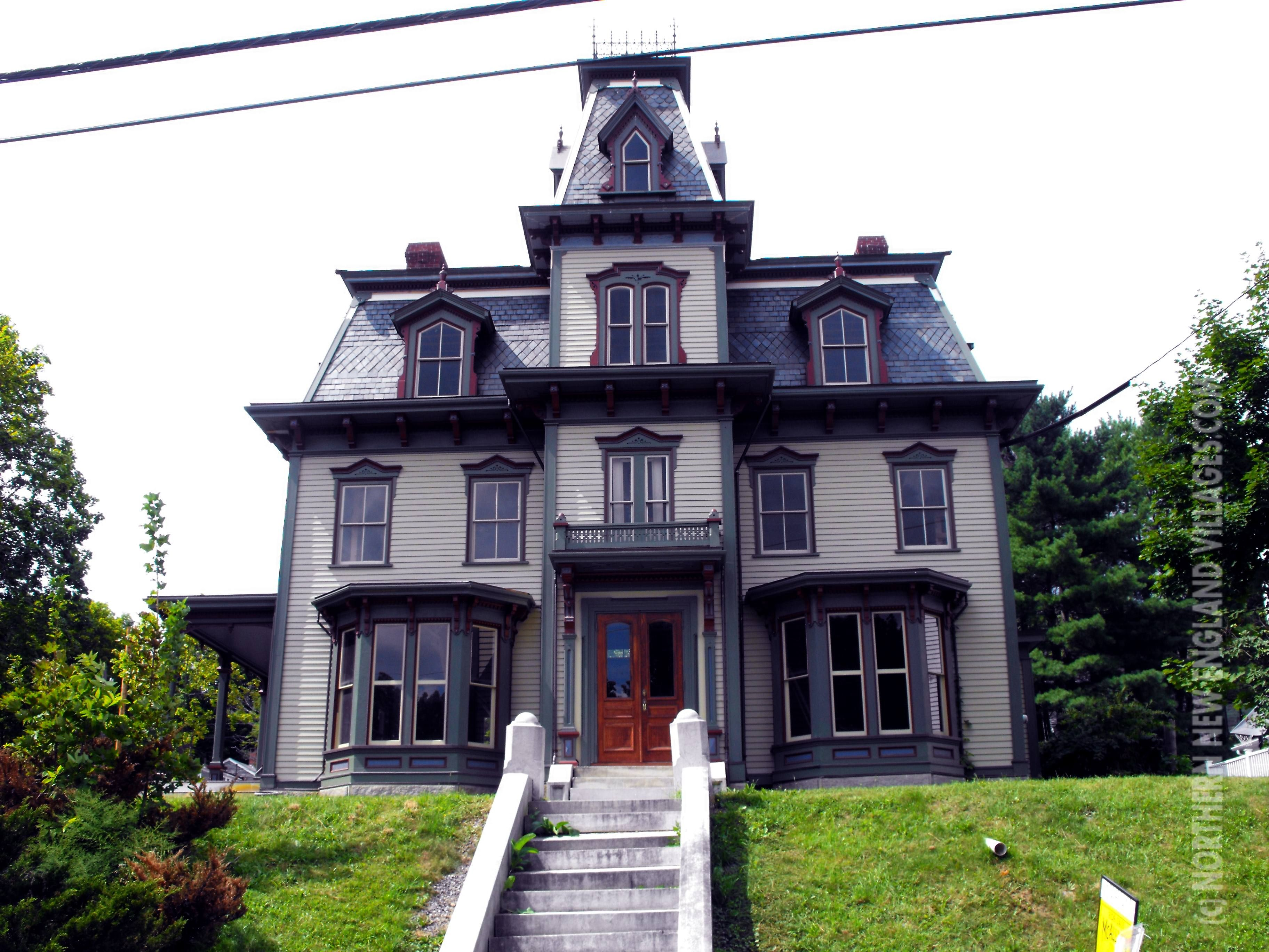 Gov. Joseph R. Bodwell Mansion in Hallowell, Mainelooks a.