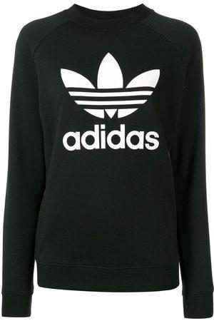 Logo sweatshirt.