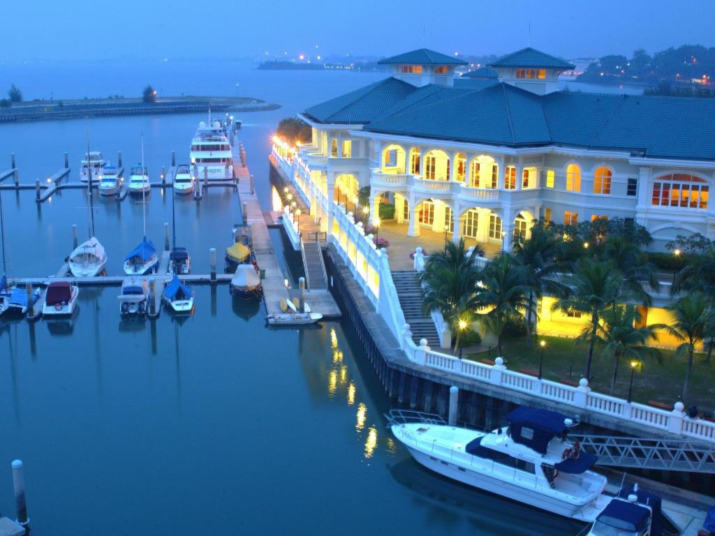 Best Price on Avillion Admiral Cove Hotel in Port Dickson + Reviews.