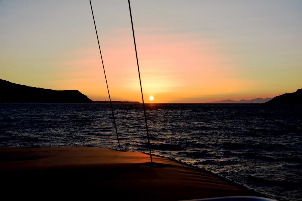 Best Sunset Spots in Santorini.
