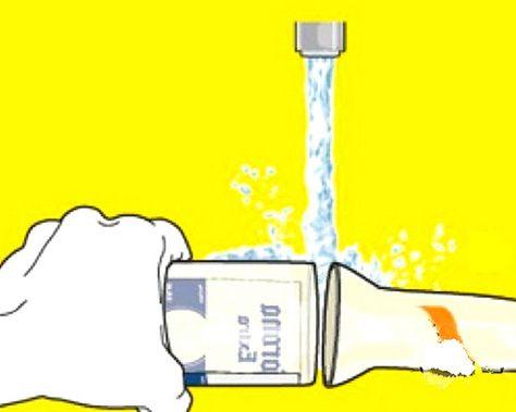 botellas de cristal convertida en vaso.