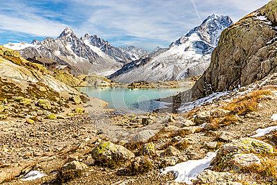 Lac Blanc,Lac Blanc Refuge,Mountain Range.