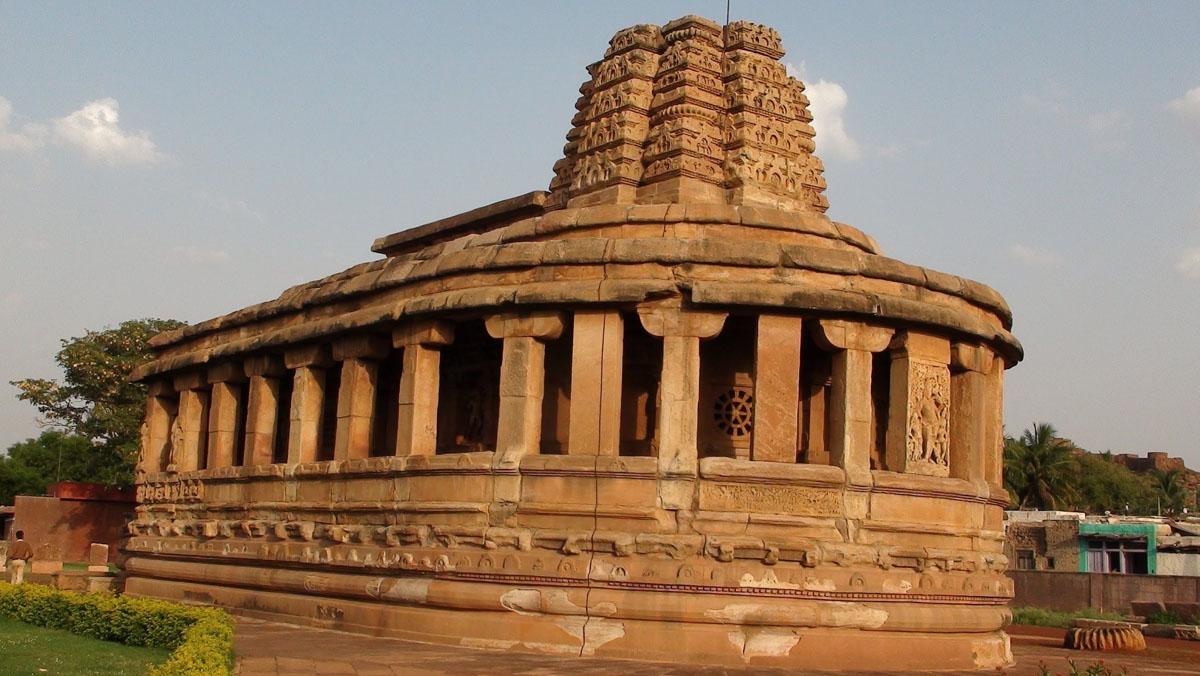 Badami temple photos.
