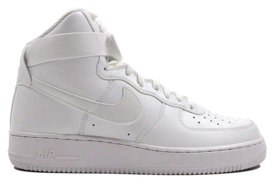 Nike Air Force 1 High.