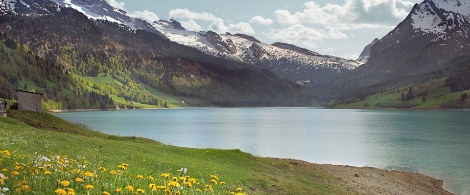 Flights to Switzerland from EUR 79 for the round.