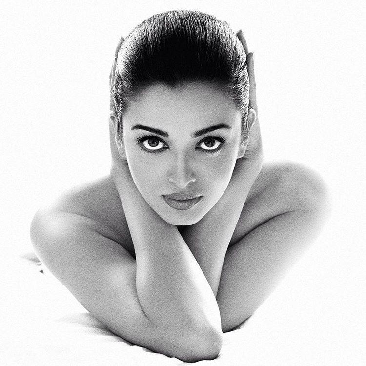 Aishwarya Rai Bachchan's eyes do all the talking in this picture.