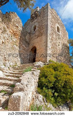 Pictures of Remains of medieval rock fortress Castell d Alaro.