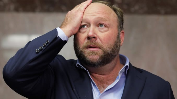 Alex Jones: 5 most disturbing and ridiculous conspiracy theories.