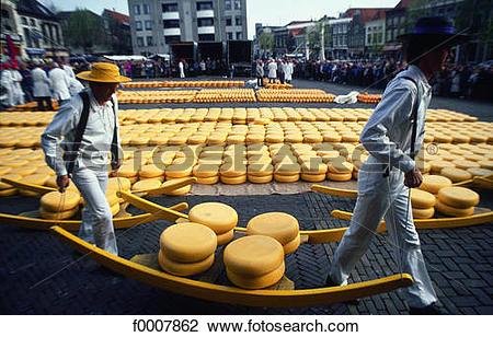 Stock Photo of The Netherlands, Alkmaar, cheese fair f0007862.