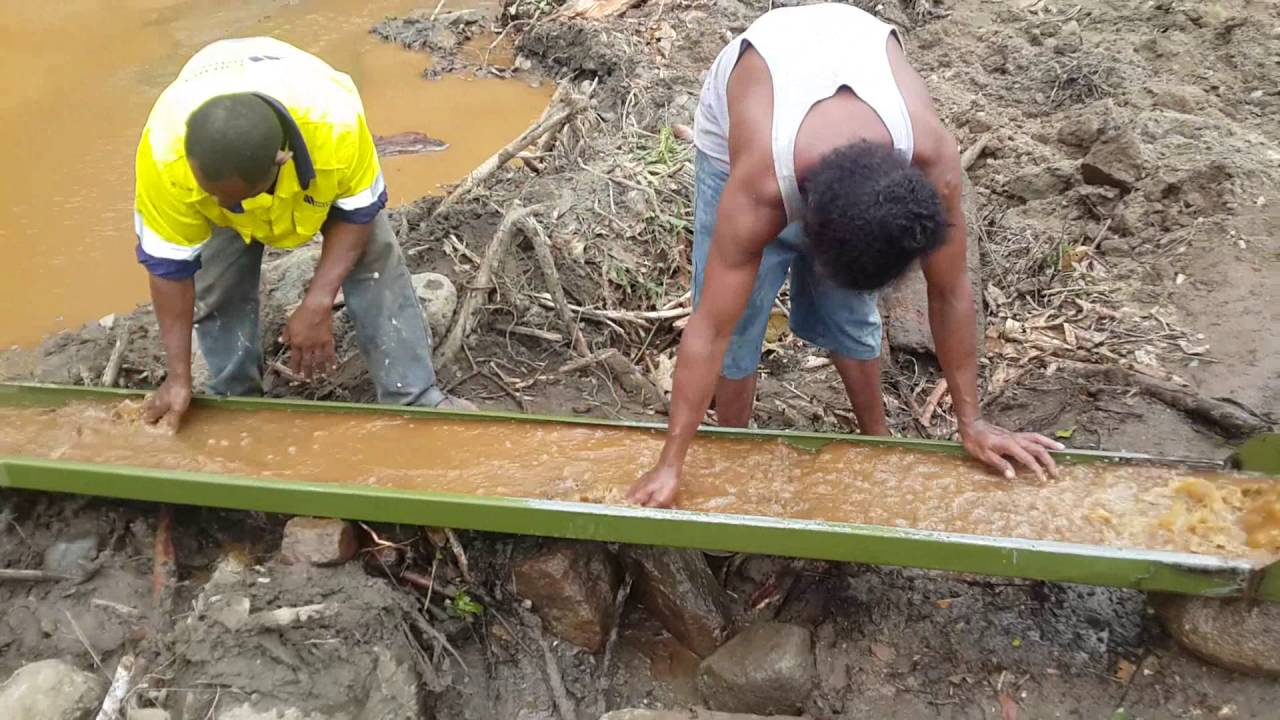 Gold mining in PNG.