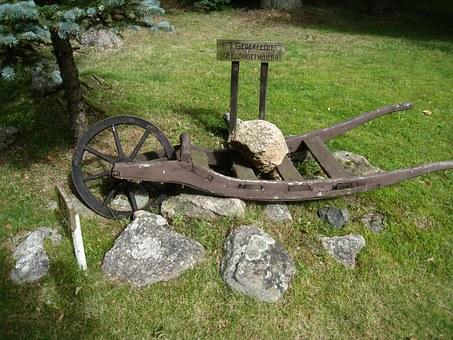 Wheelbarrow.