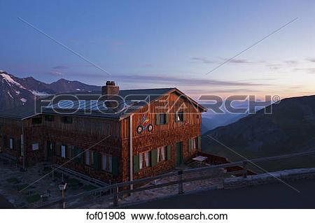 Pictures of Austria, Alpine Hut, Edelweisshuette, Edelweissspitze.