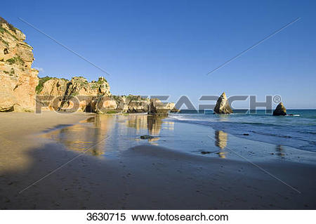 Stock Image of Praia dos Tres Irmaos, Alvor, Algarve, Portugal.
