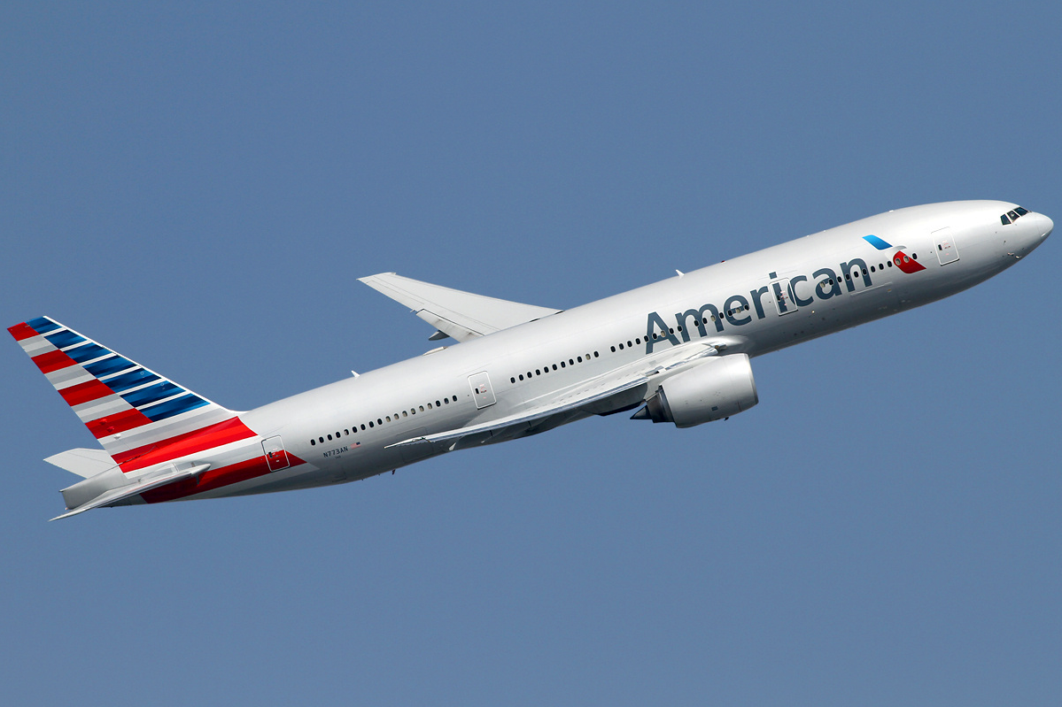File:American Airlines Boeing 777.