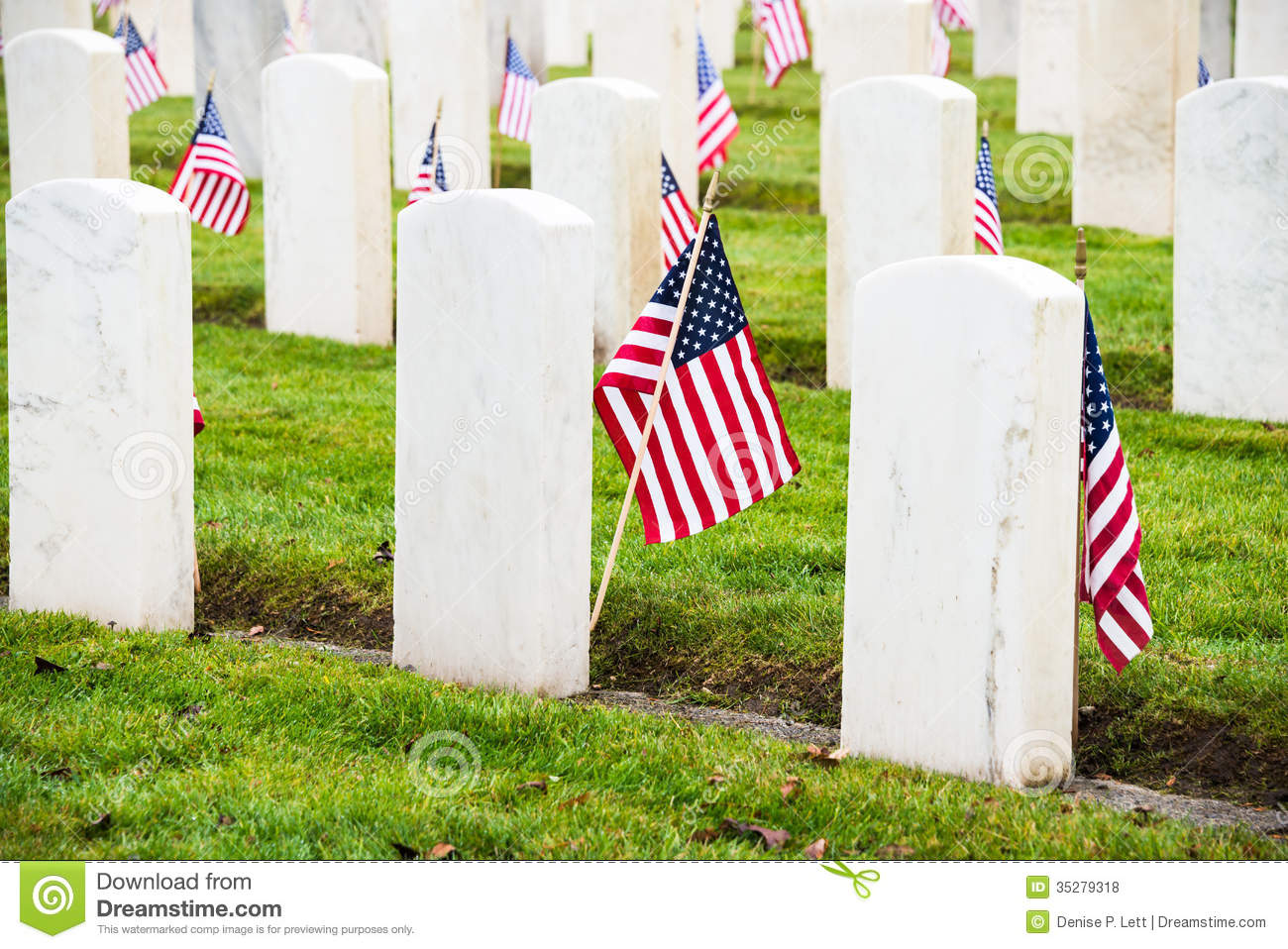 Headstones American Flags Veterans Cemetery Royalty Free Stock.