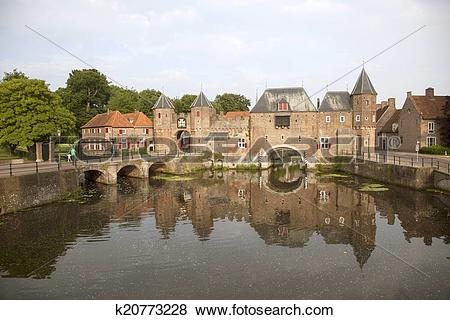 Pictures of de koppelpoort in Amersfoort k20773228.