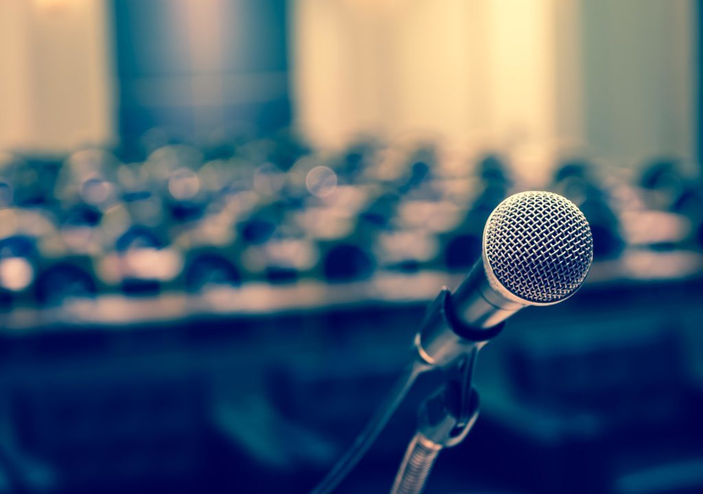 How to introduce a speaker — the art of giving (and.
