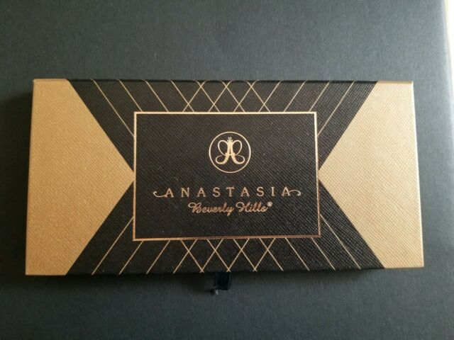 Anastasia Beverly Hills Shadow Couture.