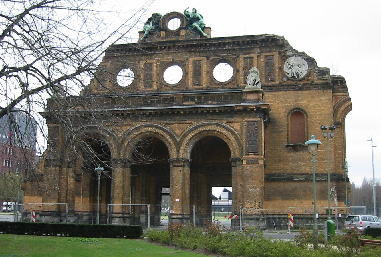 File:Train station Berlin Anhalter Bahnhof Cladding.jpg.