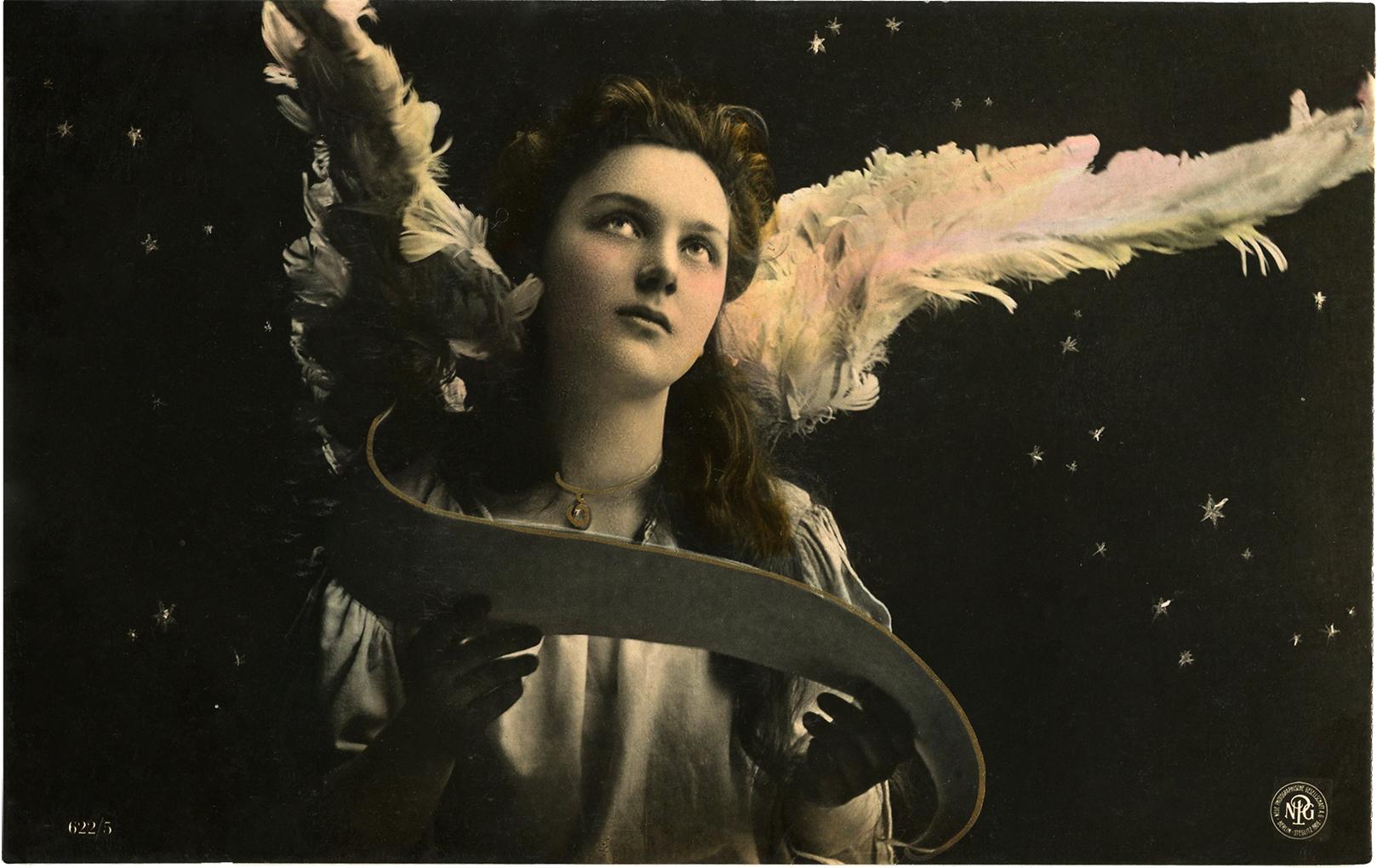 16 Beautiful Angel Photos.