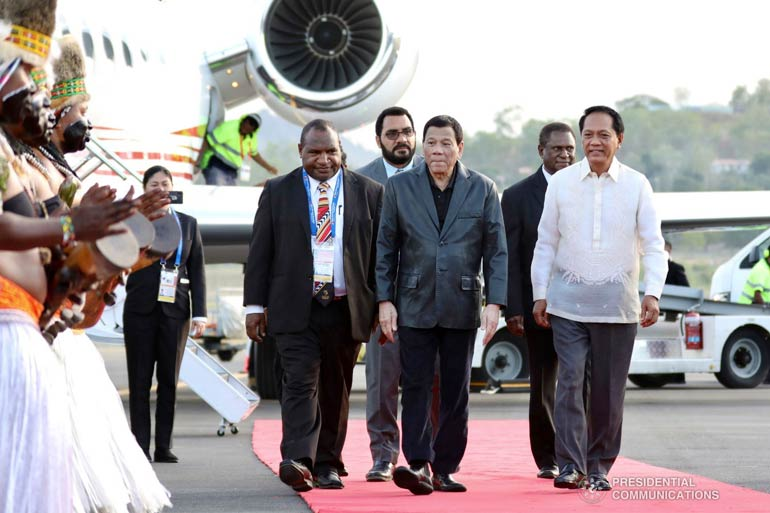 Duterte in Papua New Guinea to attend APEC Summit.
