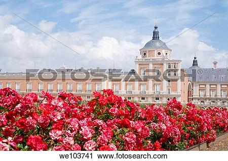 Stock Photography of Royal Palace and red flowers. Aranjuez.