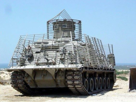 U.S. Army armoured recovery vehicle M88. Note the anti.