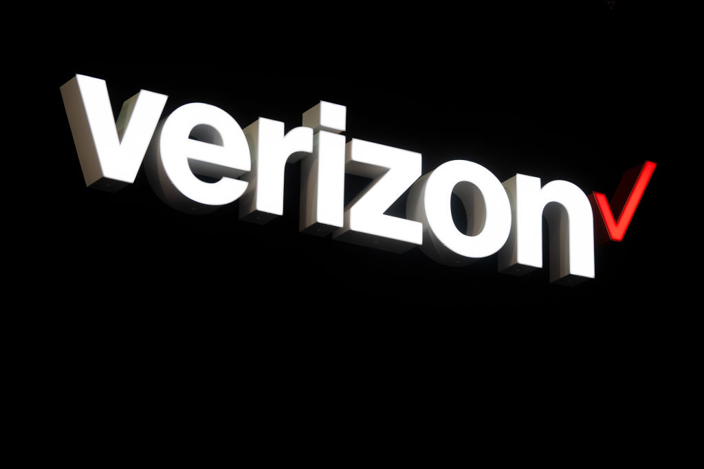Verizon\'s 5G network isn\'t good enough to cover an entire.
