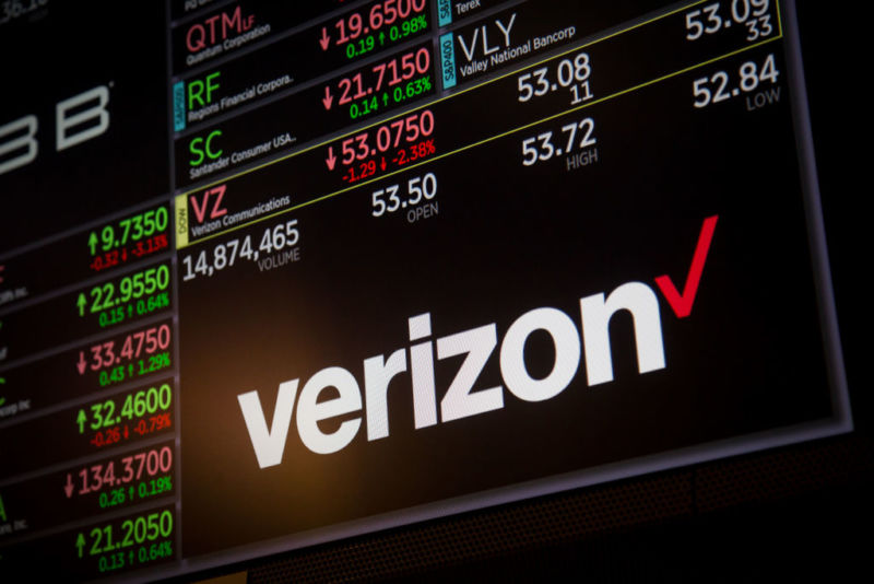 Verizon lays off more Yahoo/AOL employees after another drop.